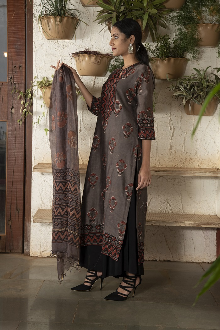 Kashish/ Coffee brown stitched Chanderi kurta set with leaf motif