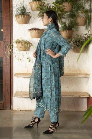 Ink blue/green yoke stitched Chanderi kurta set with pleated sleeves